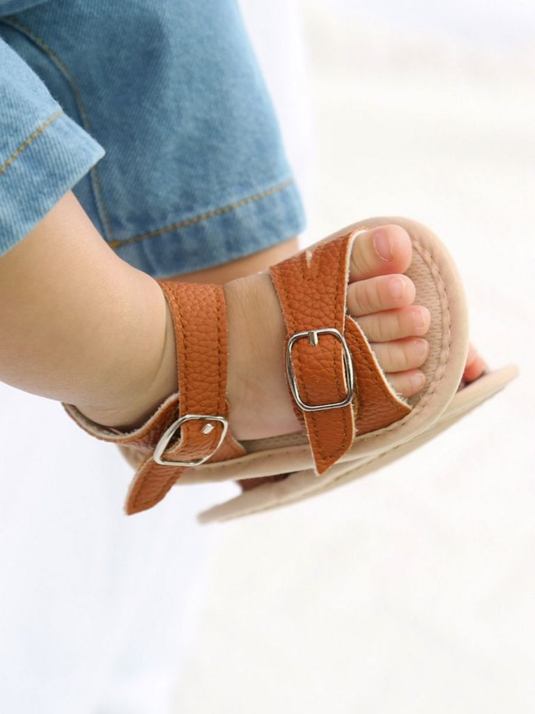 Baby Girl Solid Color Buckle Sandals