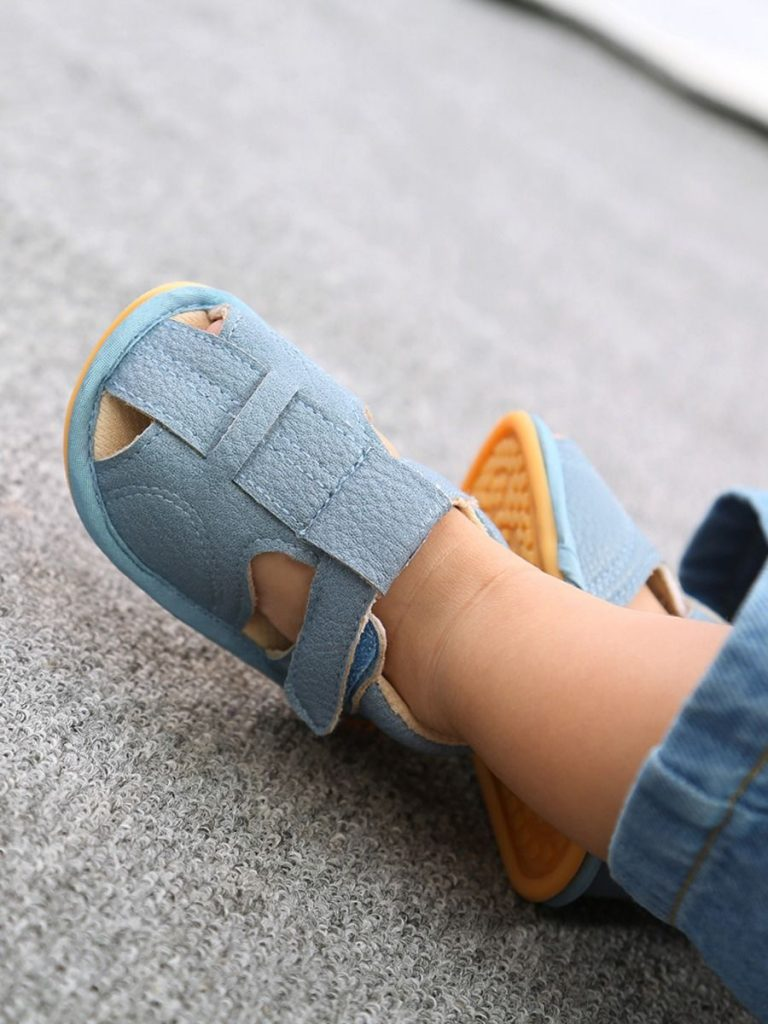 Baby PU Solid Color Close Toe Crib Sandals