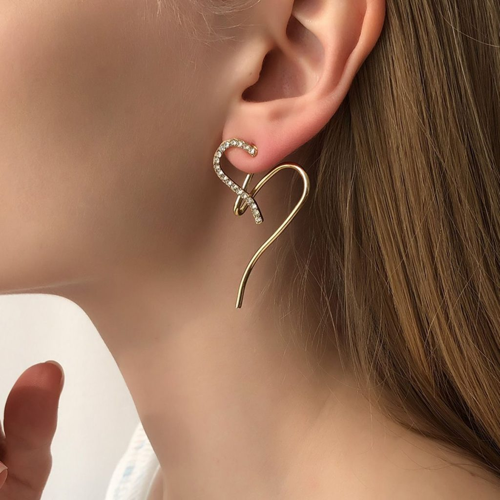 Irregular Heart-shaped Earrings With Diamonds