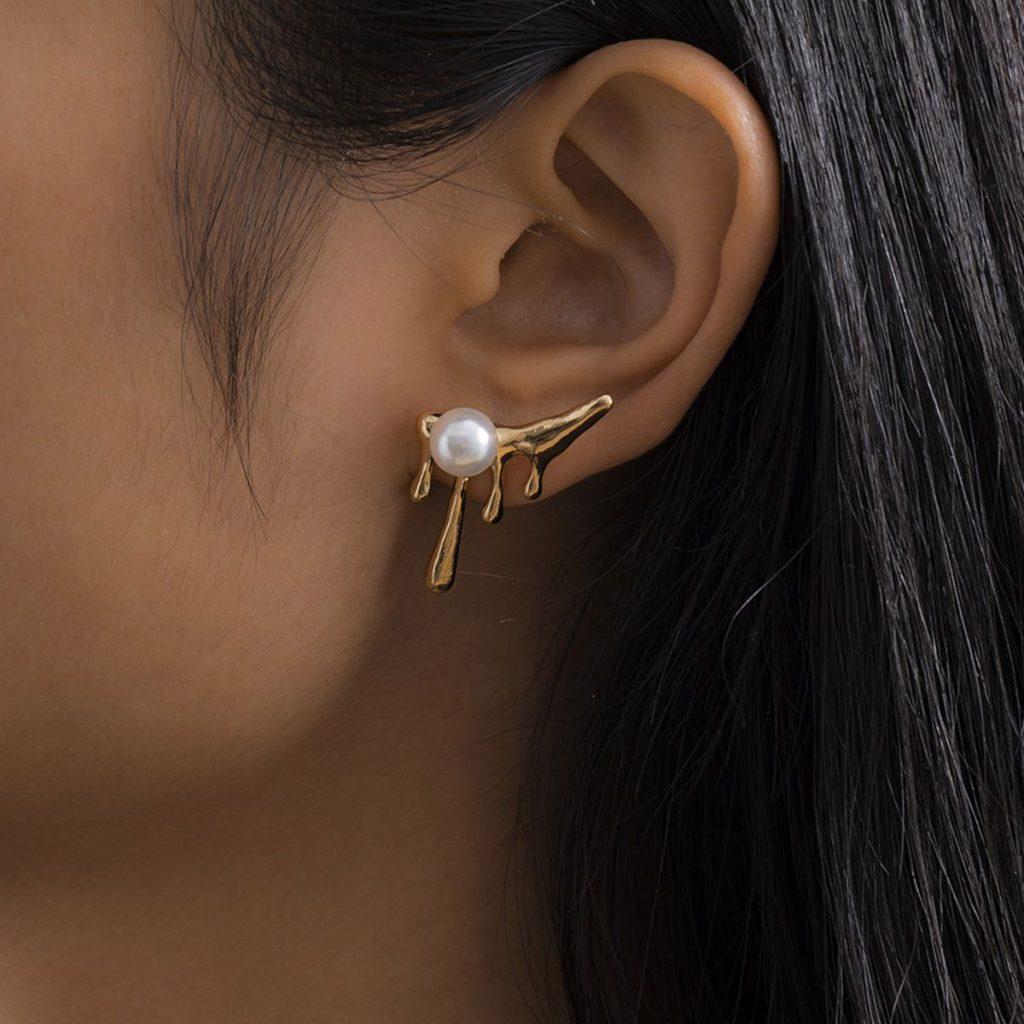 Irregular Temperament Antlers Pearl Earrings