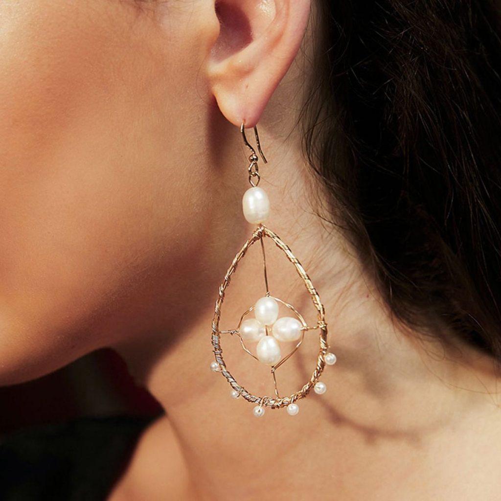 Drop-shaped Cutout Pearl Earrings
