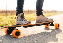 How do electric skateboards work